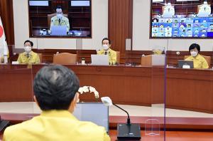 정부, 현행 거리두기·5인이상 모임 금지 2주 더 연장
