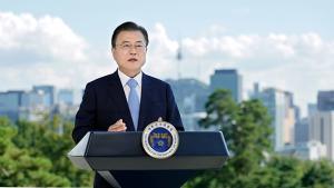 """문 대통령 """"태양광·풍력 설비, 2025년까지 두배 이상 확대"""""""